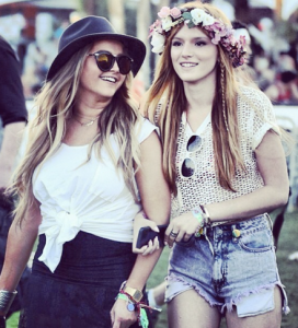 Bella Thorne & Friend